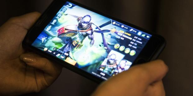 Tencent Warns of More China Tech Curbs After Growth Sputters