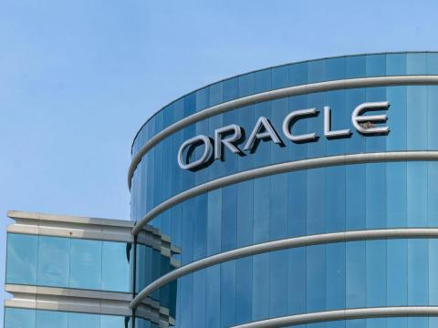 Oracle Falls After Sales Miss Estimates on Cloud App Growth