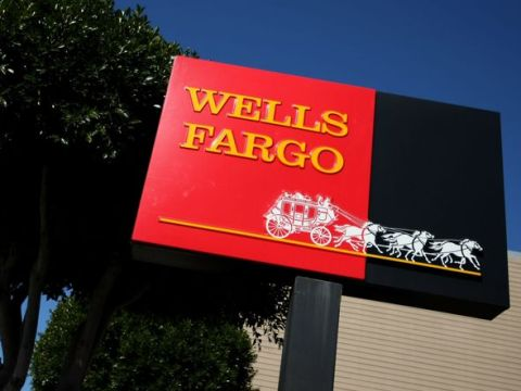 Wells Fargo Is Still in the Penalty Box. The Stock Is Dropping.