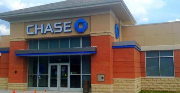 Why JPMorgan Chase Shares Are Sliding Today