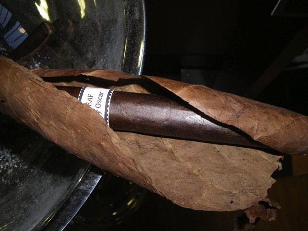 Leaf By Oscar Maduro  unwrapped
