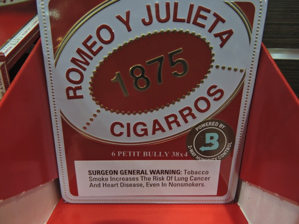 1875 Romeo y Julieta Petit Bully