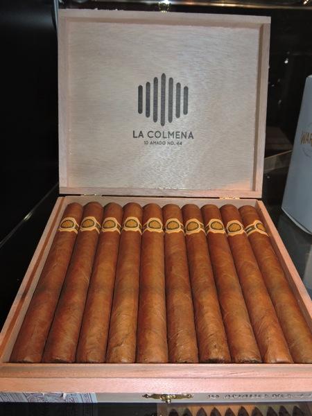 La Colmena Amado No 44 by Warped Cigars