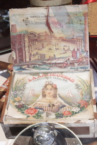 Original La Antiquedad Cuban Cigar Box