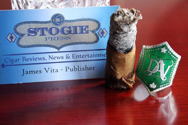 DAV Cigars Prima Natural Churchill