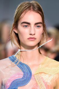 hbz-ss2016-beauty-trends-all-wrapped-up-kane-clp-rs16-1390
