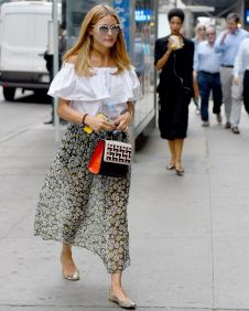 olivia-palermo-casual-style-out-in-nyc-august-2015_1
