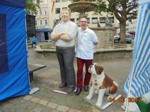 Carsten und der Altagsmensch mit einem Bernhardiener