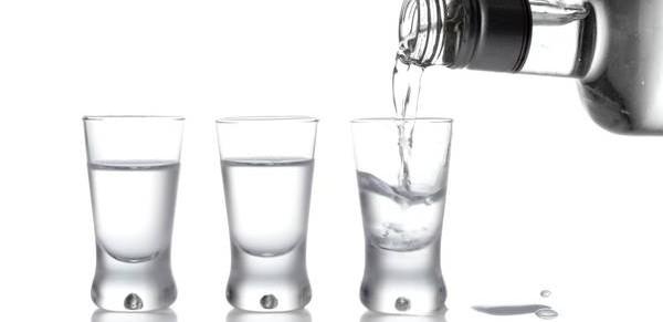 Как водка влияет на зубы