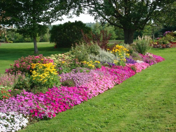 flower garden landscaping Landscaping in Utica NY - Stone Age Landscaping offers