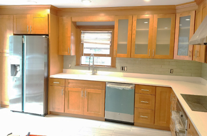 Kitchens With Maple Cabinets And Quartz Countertops | www ... on Maple Cabinets With White Countertops  id=38640