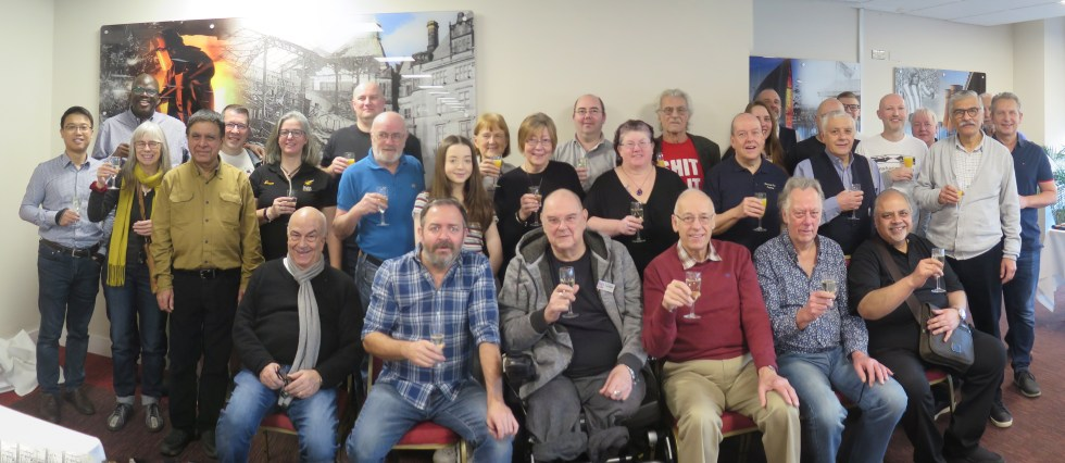 A group photograph of all the Yorkshire Pen Show vendors with the outgoing organisers, of UK Pen Shows, and the incoming organisers, of TwiCo