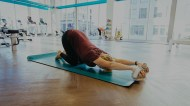 omniball-yoga-childs-pose-640x360@2x