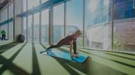 omniball-yoga-lunge