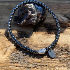 Hematite with leaf for him