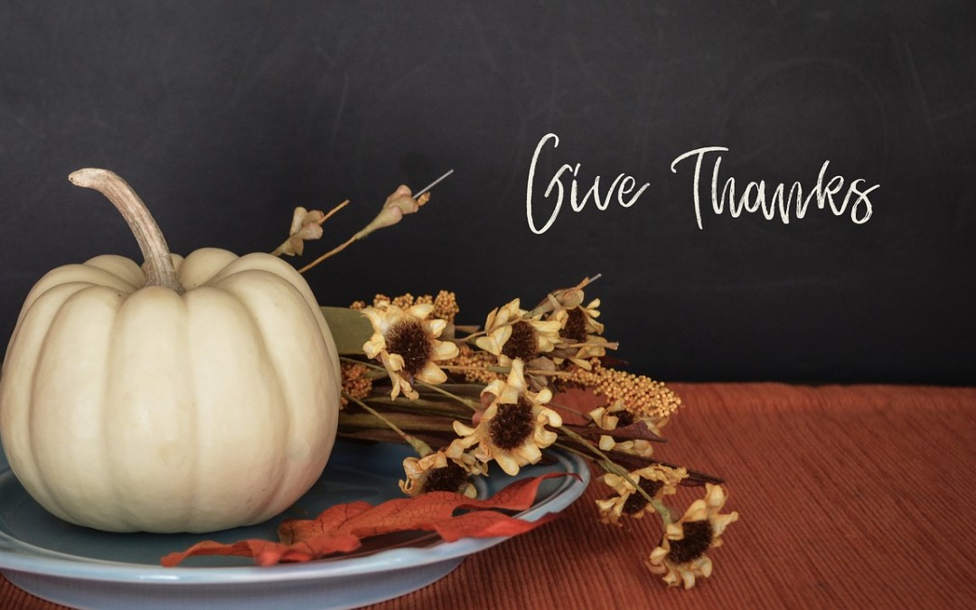 How To Create The Perfect Thanksgiving Table Centerpiece