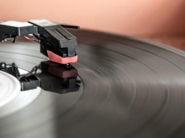 Classifiche, Pink Floyd, Nomadi, Articolo 31, Paola Turci, Pooglia Tribe, Lele Fontana, Anna Oxa, Queen, Vinile, stonemusic.it