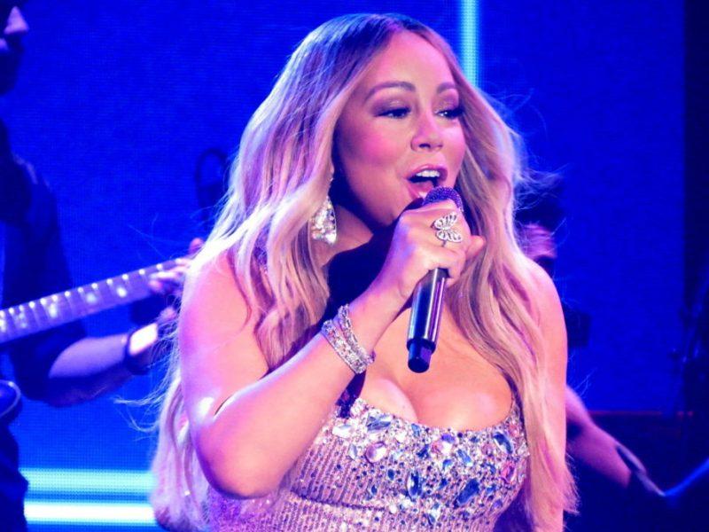 Mariah_Carey_Caution_Tour_2