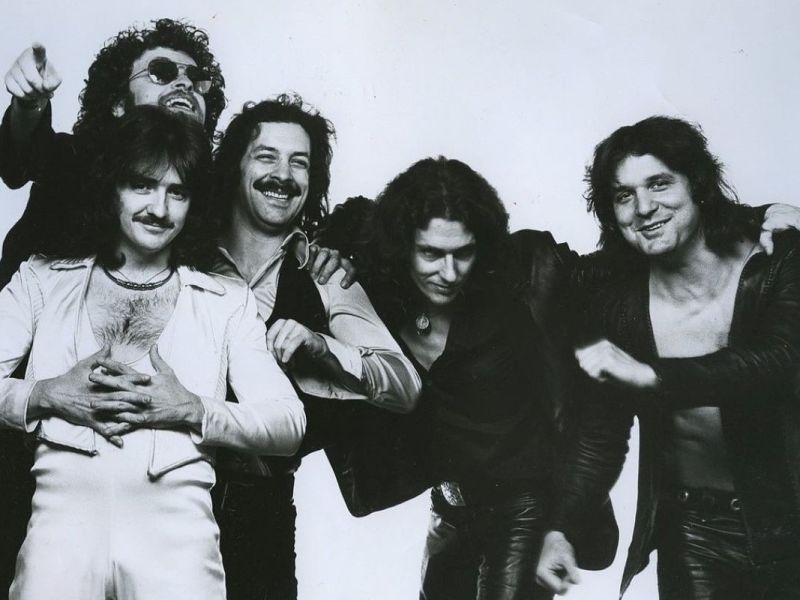 1200px-Blue_Oyster_Cult_1977_publicity_photo