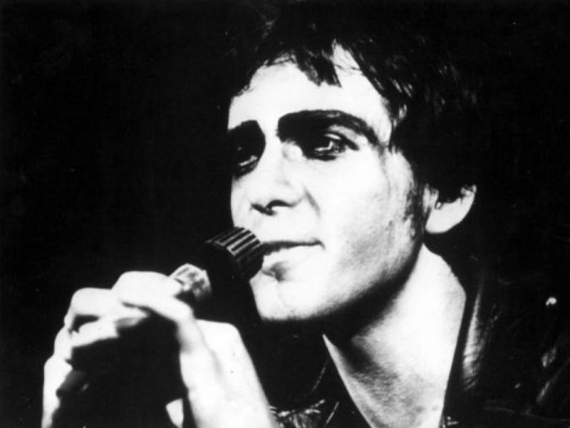 Peter_Gabriel,_April_1975