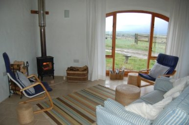 Pembrokeshire Holiday Cottages Sunset Sitting room. Self catering holiday cottage.