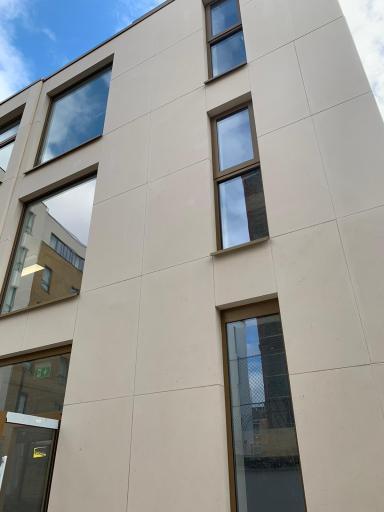 Stonescreen Aerolite© panels faced with Moleanos Limestone.