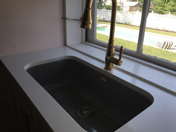 quartz kitchen countertop with undermount sink