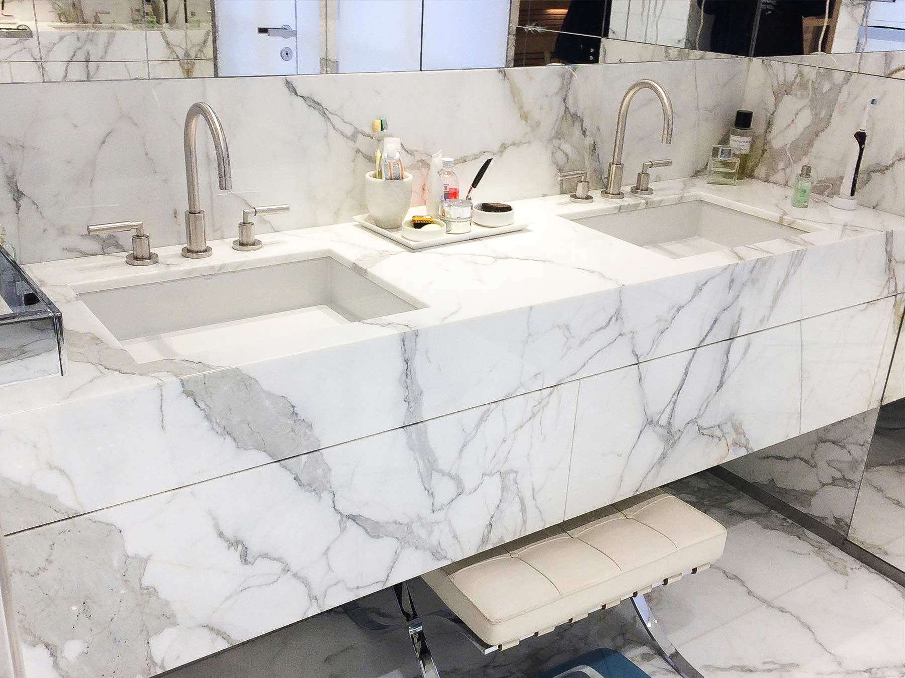 marble-countertop-toronto-in-bathroom-