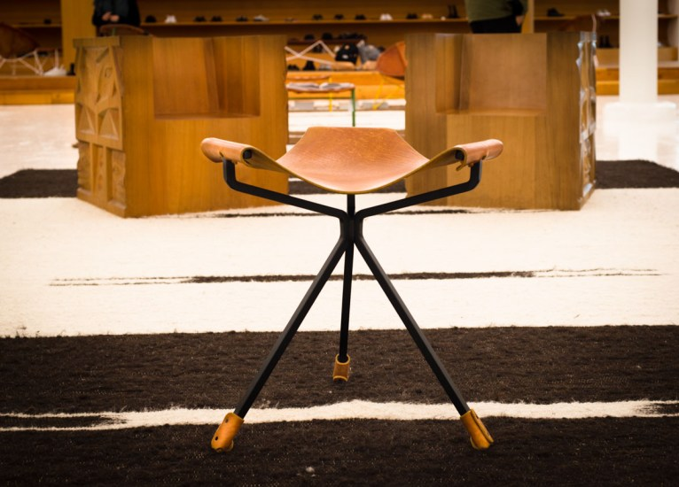 Totokaelo Sling Chair-1