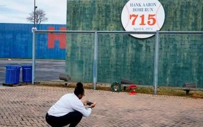 Why did Hank Aaron die now?