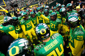 "Oregon Ducks caught having a ""circle-jerk"" on the sidelines."