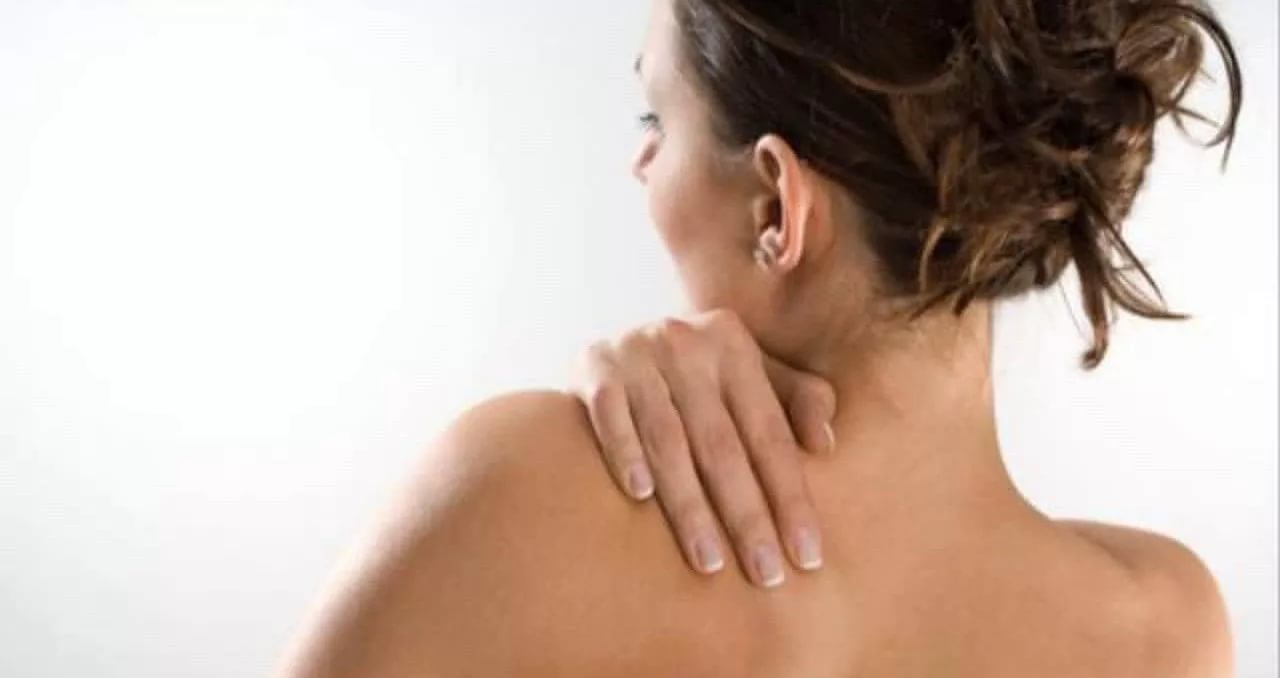 Темные пятна на спине: причины, возможные заболевания, методы лечения, профилактика. Белые или темные пятна на спине: откуда берутся, как бороться