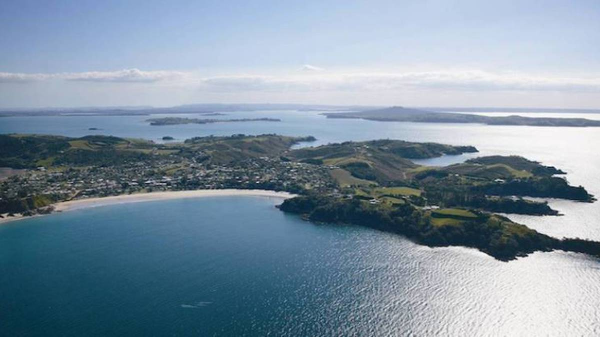 Covid 19 Delta outbreak: Person on Waiheke Island tests positive - board chair
