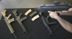 Alemania condena a dos personas por venta de armas en México