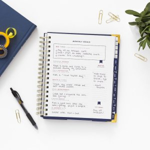Monthly goal section of the Navy Living Well Planner. Using a Planner to Boost Your Weight Loss | A Living Well Planner Review |