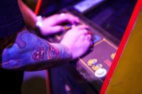 Awesome gaming tattoo on Pac-Man contestant ^_^