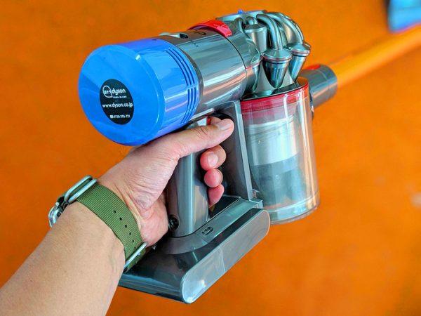 ダイソンの非正規バッテリーで発火事故。対象バッテリー購入者は利用中止を!