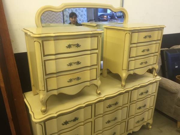 vintage dixie french clonial bedroom
