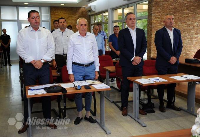 10. redovna sjednica Skupštine ŽZH (Minuta šutnje za preminulog zastupnika Zdravka Bešlića) - ŽZH dobila Zakon o turizmu: