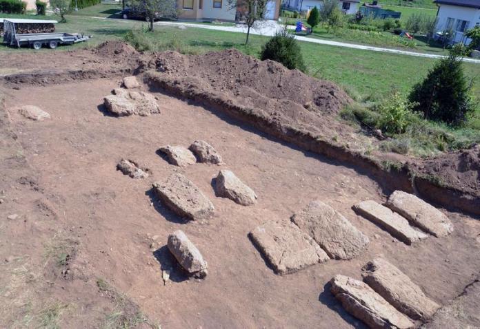 Otkrivena nekropola stećaka u Kreševu - Kreševo: Otkrivena zaboravljena nekropola sa stećcima