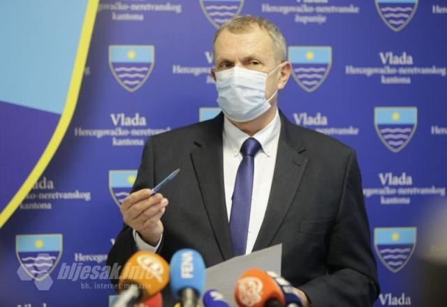 Antonijo Vujica, pomoćnik ministra zdravstva, rada i socijalne skrbi HNŽ - Herceg pozvan da podijeli otkaze, Sindikat kreće kampirati pred vladom!