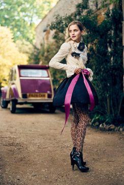 09811_Emma_Watson_003069_Teen_Vogue_Photoshoot_2009_122_342lo