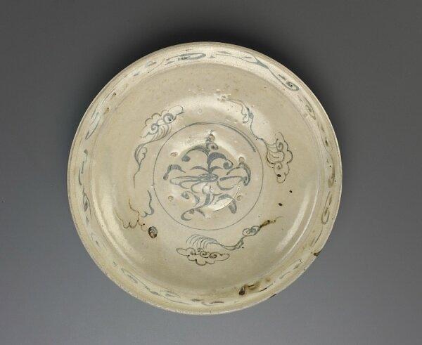 Dish, Vietnam, Trần dynasty, 14th century