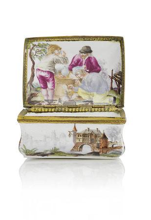 A_Frankenthal_gilt_metal_mounted_rectangular_snuff_box__circa_17701