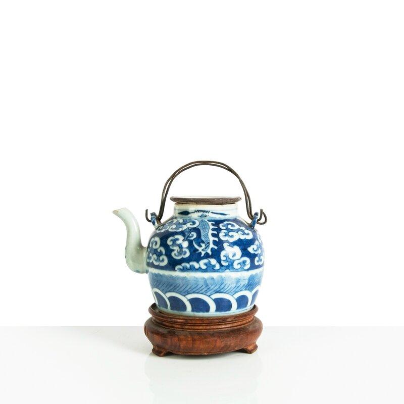 Verseuse en porcelaine 'Bleu de Huê', Chine pour le Vietnam, Huê, Début XXe siècle