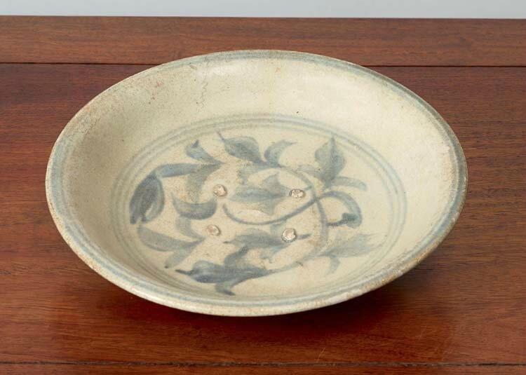 Assiette, Vietnam, dynastie des Lê, 16-17°siècles