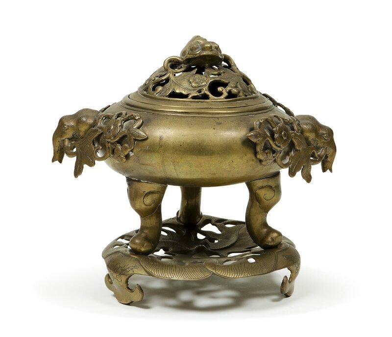 Brûle parfum et son couvercle ajouré en bronze, Vietnam, XIXème siècle