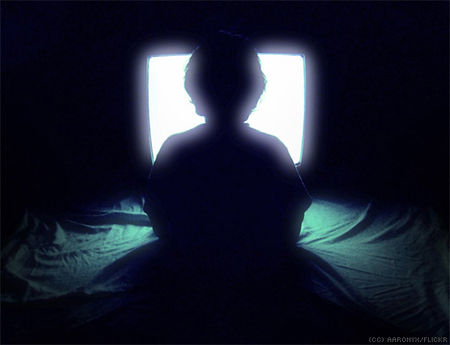 child_watching_television_silhouette