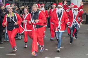 Bijna 200 deelnemers aan Santa Run