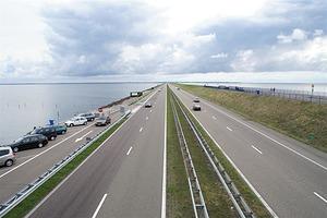BAM wint klus opknapbeurt Afsluitdijk